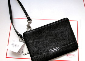 Authentic Coach Park Small Wristlet