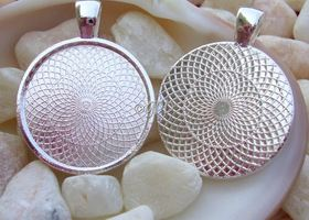 "10 - 1"" / 25mm Silver Round Pendant Trays"