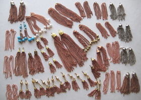 Chain Tassel Lot, 33 Pair
