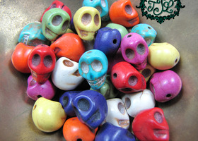 64 Howlite Skull Beads - Multicolor
