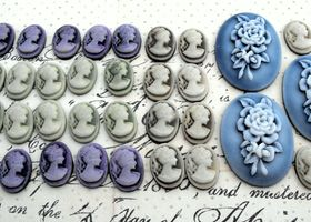 33 Piece Cameo Lot by LadeeBee