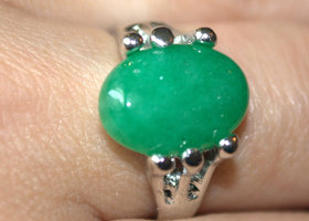 Green Oval Natural Stone Ring sz 7