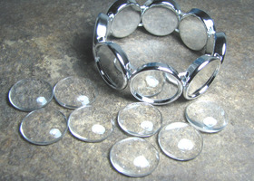 5-Image Stretch Tray  Bracelets with glass domes