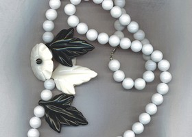 "Vtg. 30"" Black & White Necklace With Flowers"