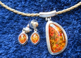 Sim Amber and Tibetan Silver pendant and earrings
