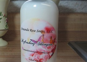 Refreshing Shampoo with essential oils
