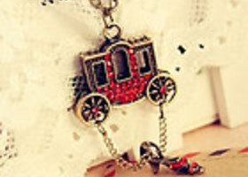 Small Carriage Red Slipper Necklace