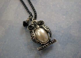 Sweet Pearl Belly Owl with Silver plated chain