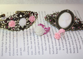 Victorian Set of 4 - Pink and White