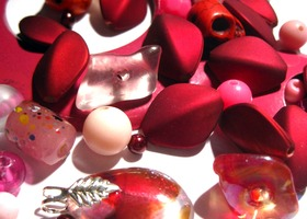 VINTAGE pink bead mix and metal pendants