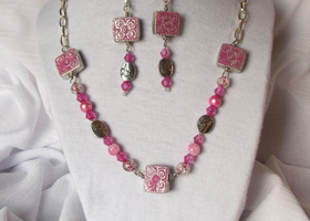 Pink Flower Beads with Silver plated chain Necklace and Earring Set