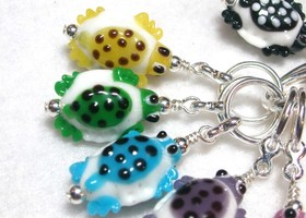 A Herd of Turtles Glass Knitting Stich Markers
