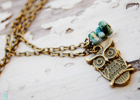 Bronze Owl Charm Necklace with Tree Agate Gemstone Chips