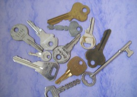 12 Keys Assorted Sizes
