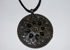 ***Charity Auction*** Beautiful Pendant Necklace