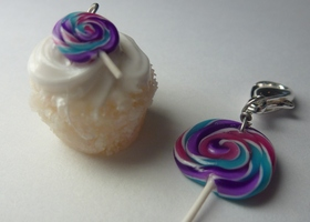 Cupcake and Lollipop Charm Set