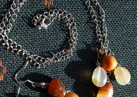 Brown Sugar agate necklace and earrings