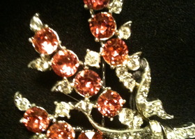 VTG Pin Flower Bouquet Bright Pink & Diamond Stones