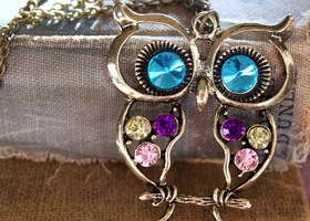 Retro Style Crystal Owl Necklace