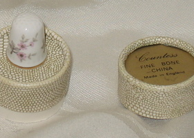Countess Bone China Floral Thimble England