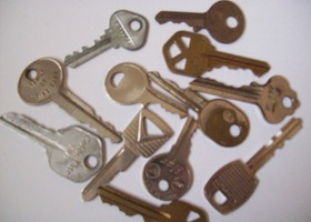 12 Assorted Keys