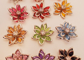 15+ Acrylic/Steel with Rhinestone Flowers - Mixed Color
