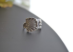 Sterling silver Celtic Knot spoon ring: shell style