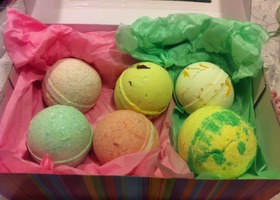 Gift Box of Luxe Bath Bombs