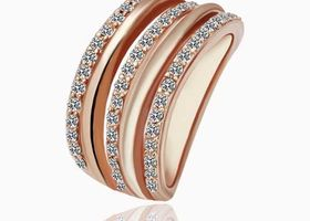 18K Rose Gold Plated Ring with Crystals Size 8