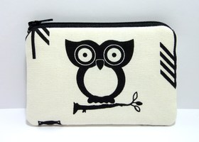 Coin Purse Zipper Pouch Padded - Hootie Owl in Black