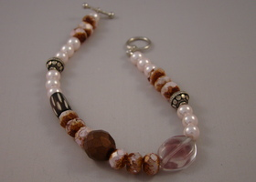 Lovely multi Pink Beaded Bracelet