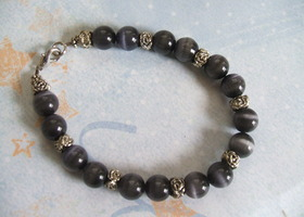 Stunning Black Cat Eye's Bracelet