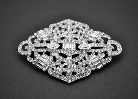 Beautiful Rhinestone Brooch - Roxy