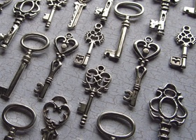 36 Skeleton Keys - Assortment in Silver
