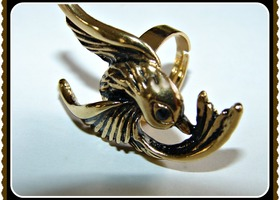 Antiqued Gold Sparrow Black Crystal Eye Adjustable Ring