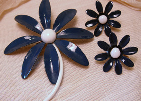 Vintage Flower Pin & Matching Earrings