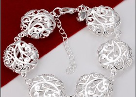 BEAUTIFUL 925 SILVER  HOLLOW FLOWER BRACELET