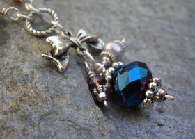Blue faceted glass bead with fresh water pearl and crystal rondelle necklace
