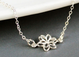Petite .925 Silver Double Layered Flower Necklace