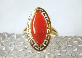 14K Yellow Gold and Orange Jade Ring