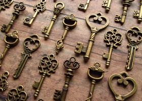 35 Skeleton Keys - Assortment in Bronze