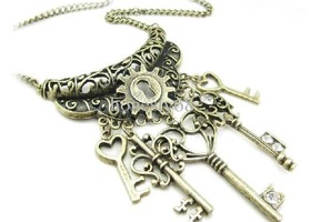 Stunning Vintage-Style Skeleton Keys Necklace