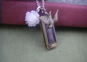 Little Harmonica Necklace - Really Plays