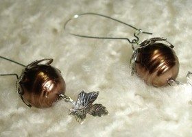 Chocolate Pearl Earrings!