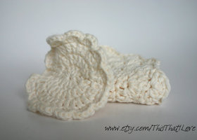 Wash Cloth and Facial Scrubby Set in Cream