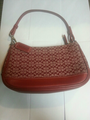 fced64c3e0d SMALL Red Coach Logo purse. | Tophatter