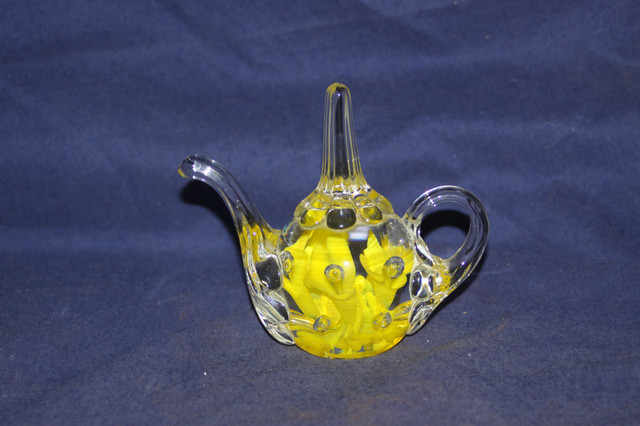 Vintage JOE St  CLAIR Glass Yellow Lilly Tea Pot Ring H